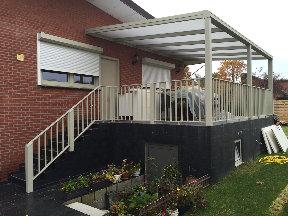 Terrasoverkapping Met Balustrade